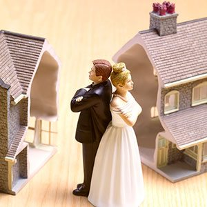 divorcing couple figures - how to sell any house - Mark King Properties