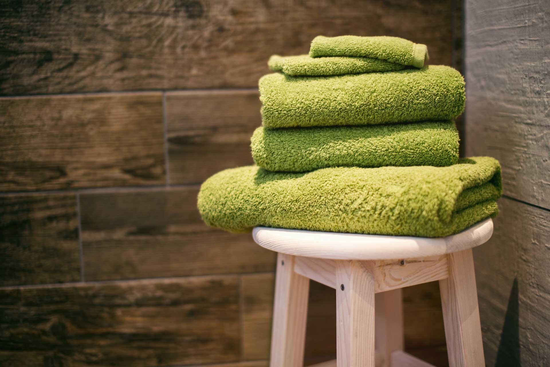 bathroom-makeover-renovation-budget-add-colour