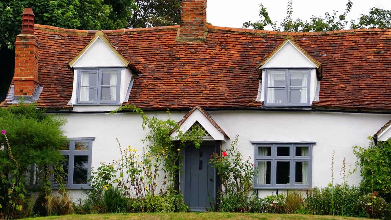 Old farm house - Mark King Properties